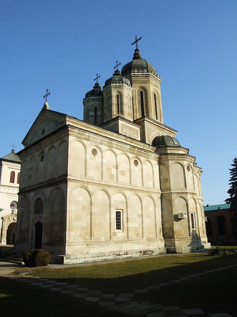 0 manastirea dealu 2